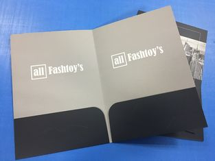 China OEM Personalized Pocket Folders A4 Size Embossing Saddle Stitching Custom Color factory
